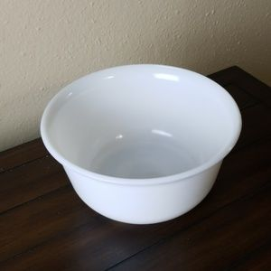"General electric Kitchen - Vintage GE milk white mixing bowl 9.5"""